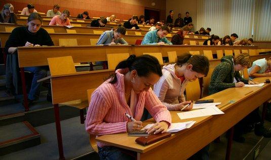 У выпускников Пражского Экономического Университета самая высокая зарплата