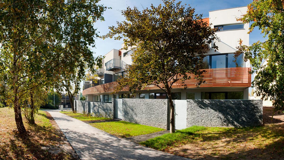 Квартиры в комплексе низкоэтажных домов с зеленой зоной в Праге 10
