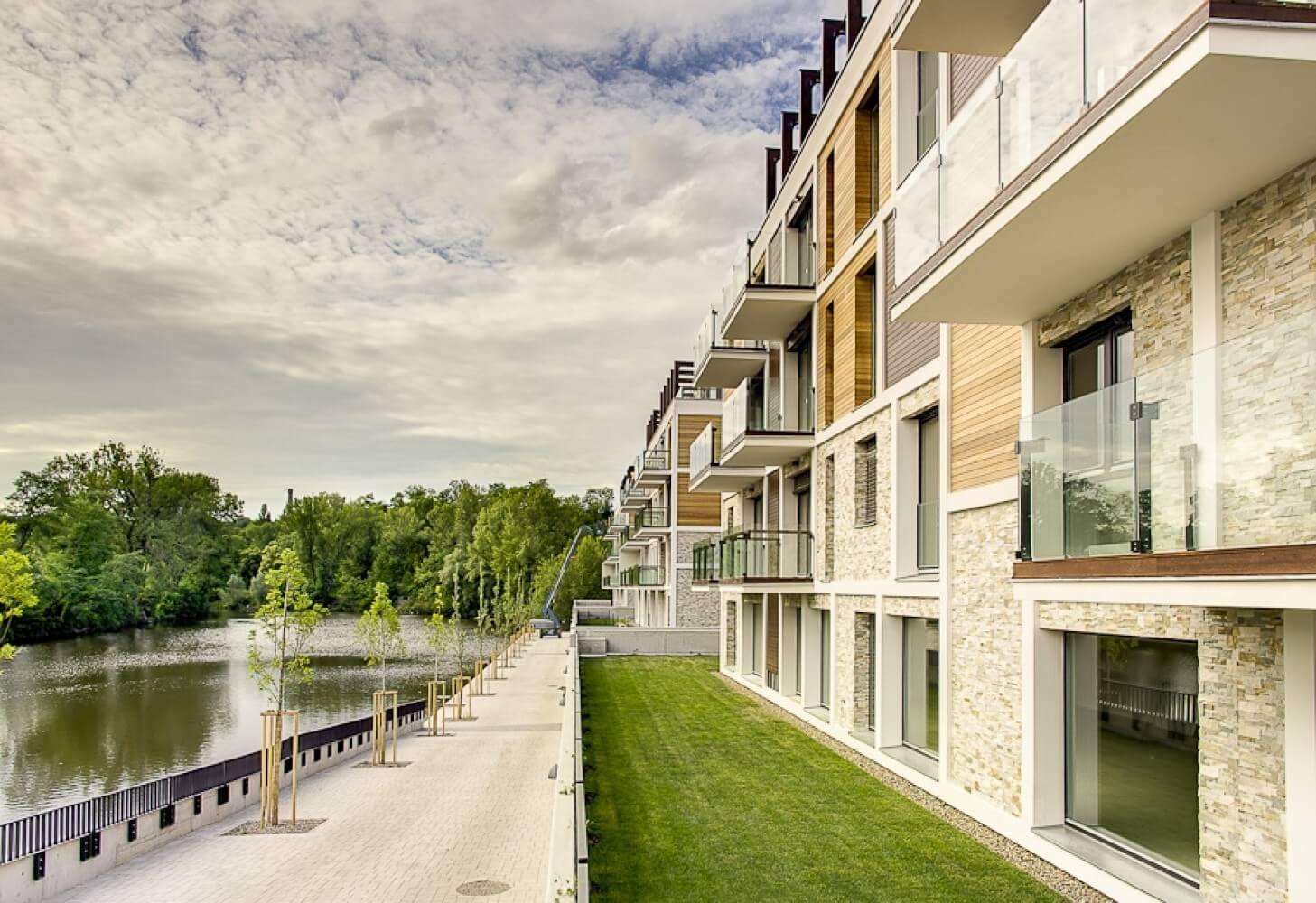 Продажа квартир в резиденции на набережной в Праге 8
