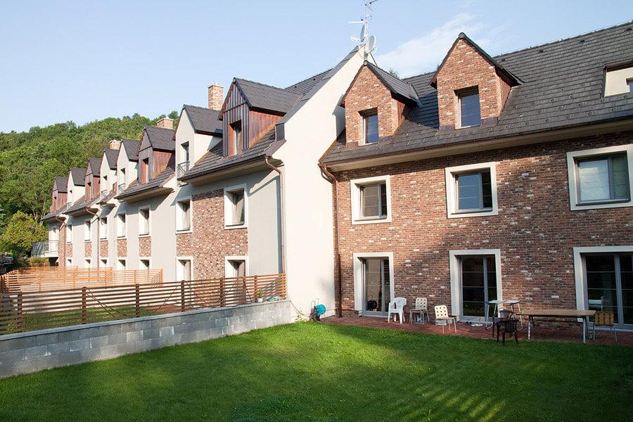 Продажа квартир и таунхаусов в долине в Праге 6