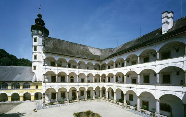 Замок Велке Лосины, Чехия