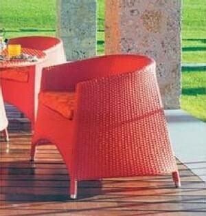 Еще один пример выраженной цветистости плетеной мебели