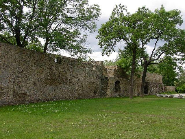 Сохранившиеся остатки крепостей на улице Гавличкова в Бероуне
