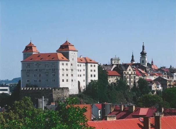 Замок Град