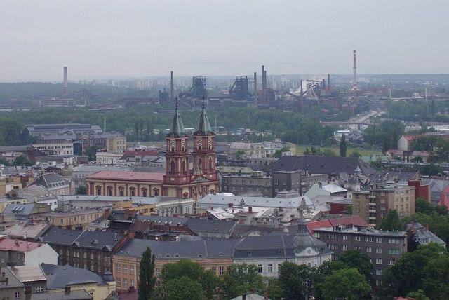 Вид на Остраву с обзорной башни Новой ратуши