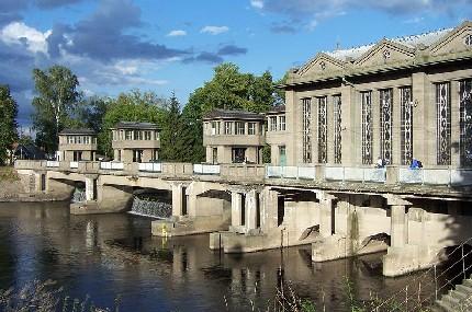 Плотина и гидроэлектростанция в Подебрадах